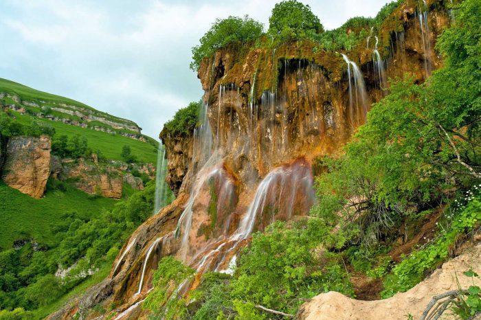 Джип-тур «Водопад Царская корона и озера Шадхурей»