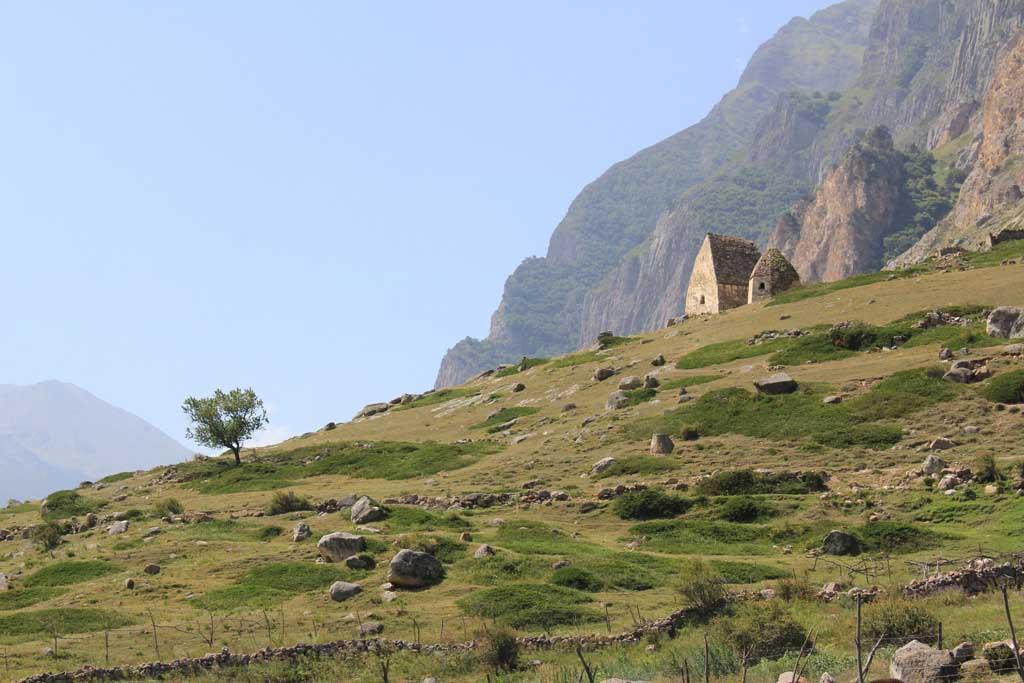 Погребальные склепы древних Аланов. с.Эль-Тюбю, Кабардино-Балкария.